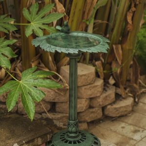 XBrand Green Painted Leaf Design Birdbath (BB3349GN)