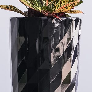 XBrand Black Diamond Look Round Planter (PL3554BK)